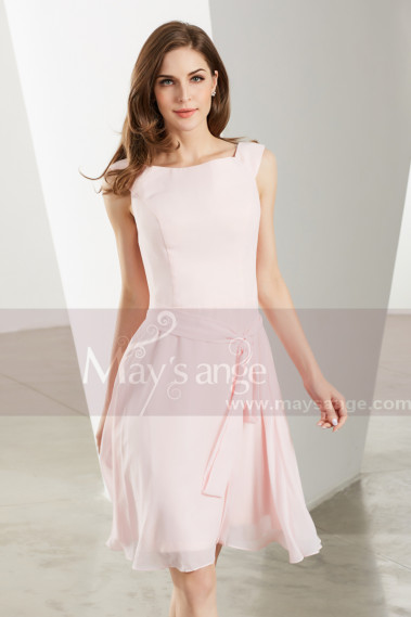 Robe Courte Cocktail Rose Pale Simple En Mousseline