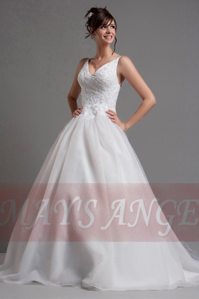 Top Lace White Simple Wedding Gown With Thin Strap - Ref M019 - 01