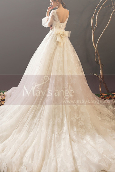 White wedding dress - Bohemian-Inspired Wedding Dresses With Pretty Knot And Very Long Train - M1903 #1