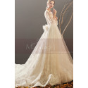 Bohemian-Inspired Wedding Dresses With Pretty Knot And Very Long Train - Ref M1903 - 03