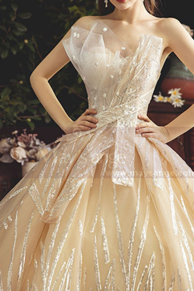 Chic Sparkling Champagne Strapless Princess Bridal Gown - Ref M080 - 01
