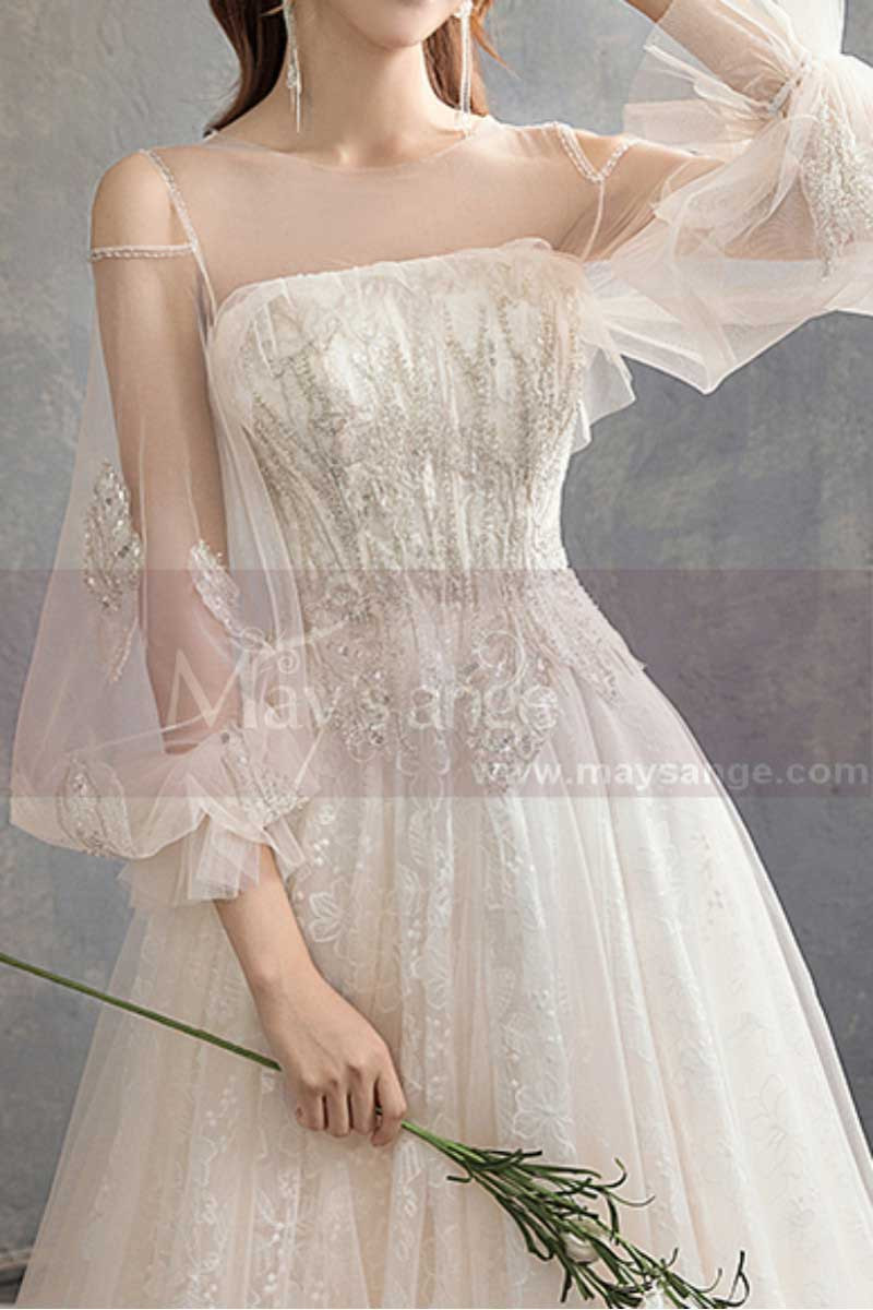 Long Sleeve Vintage Wedding Dresses With Transparent Tulle Bodice And Golden Glitter