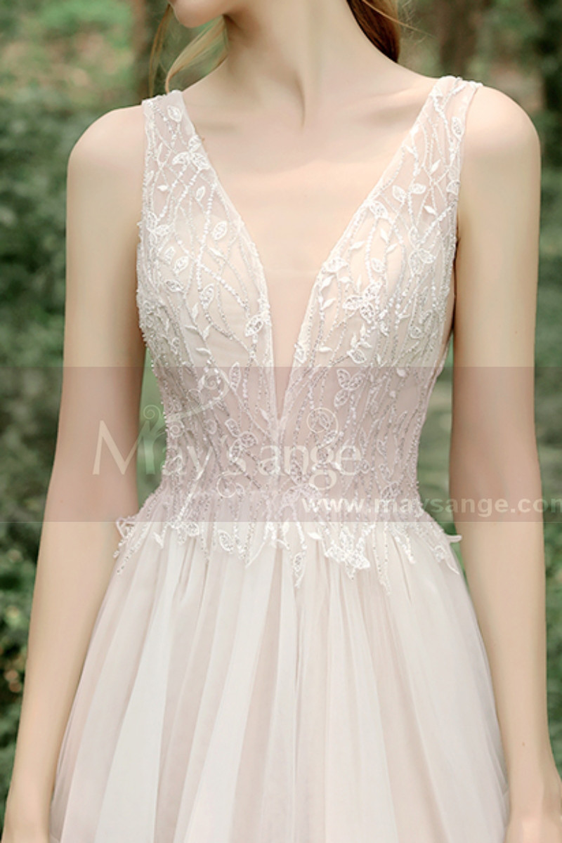 Lace Embroidered Backless Wedding Dresses Nude Color Lining - Ref M1281 - 01