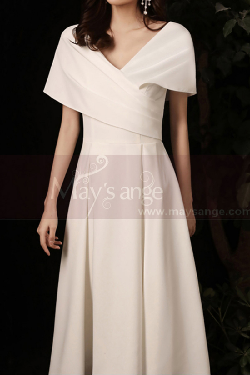 Off White Short Pretty Wedding Dresses With Covered Shoulder - Ref M1291 - 01
