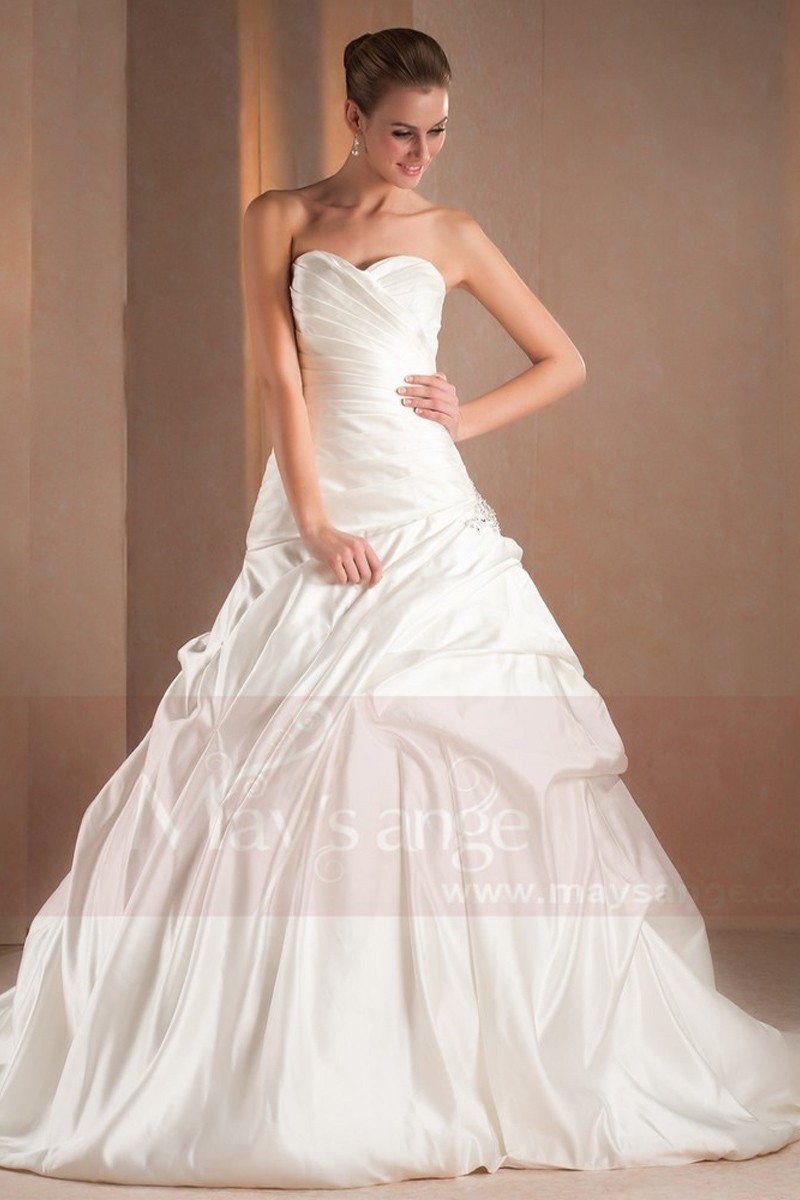 Sweetheart Strapless Imperial Wedding Gown - Ref M313 - 01
