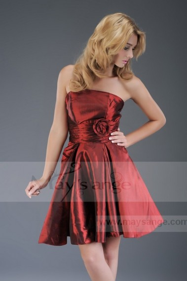 Robe cocktail rouge bustier en taffetas
