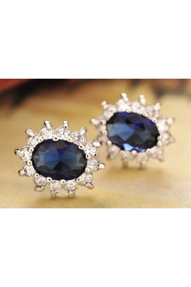 Beautiful small blue sapphire earrings - B072 #1