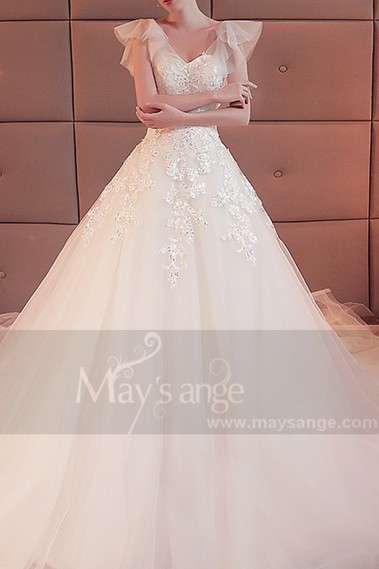 robe mariage blanche manche courte voile douce dentelle et strass