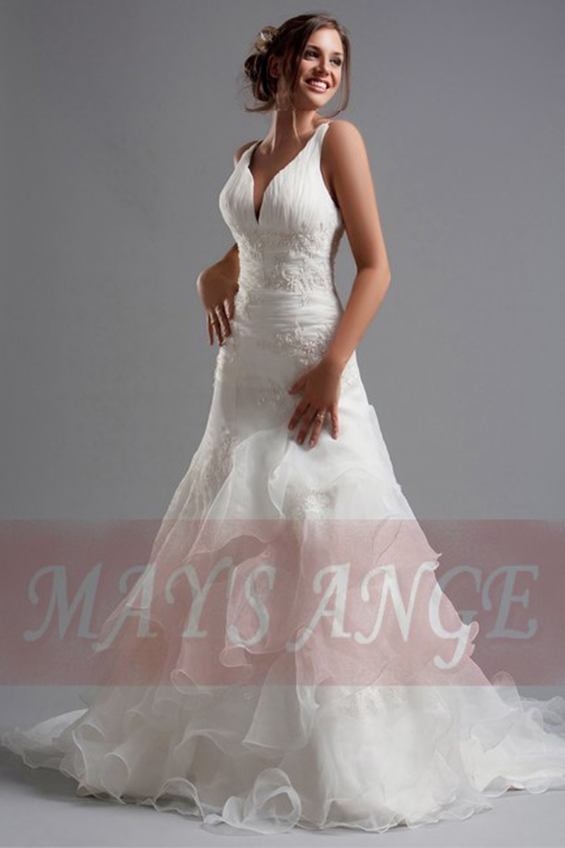 V-Neck Lace wedding dresses Hailey with Ruffles - Ref M031 - 01